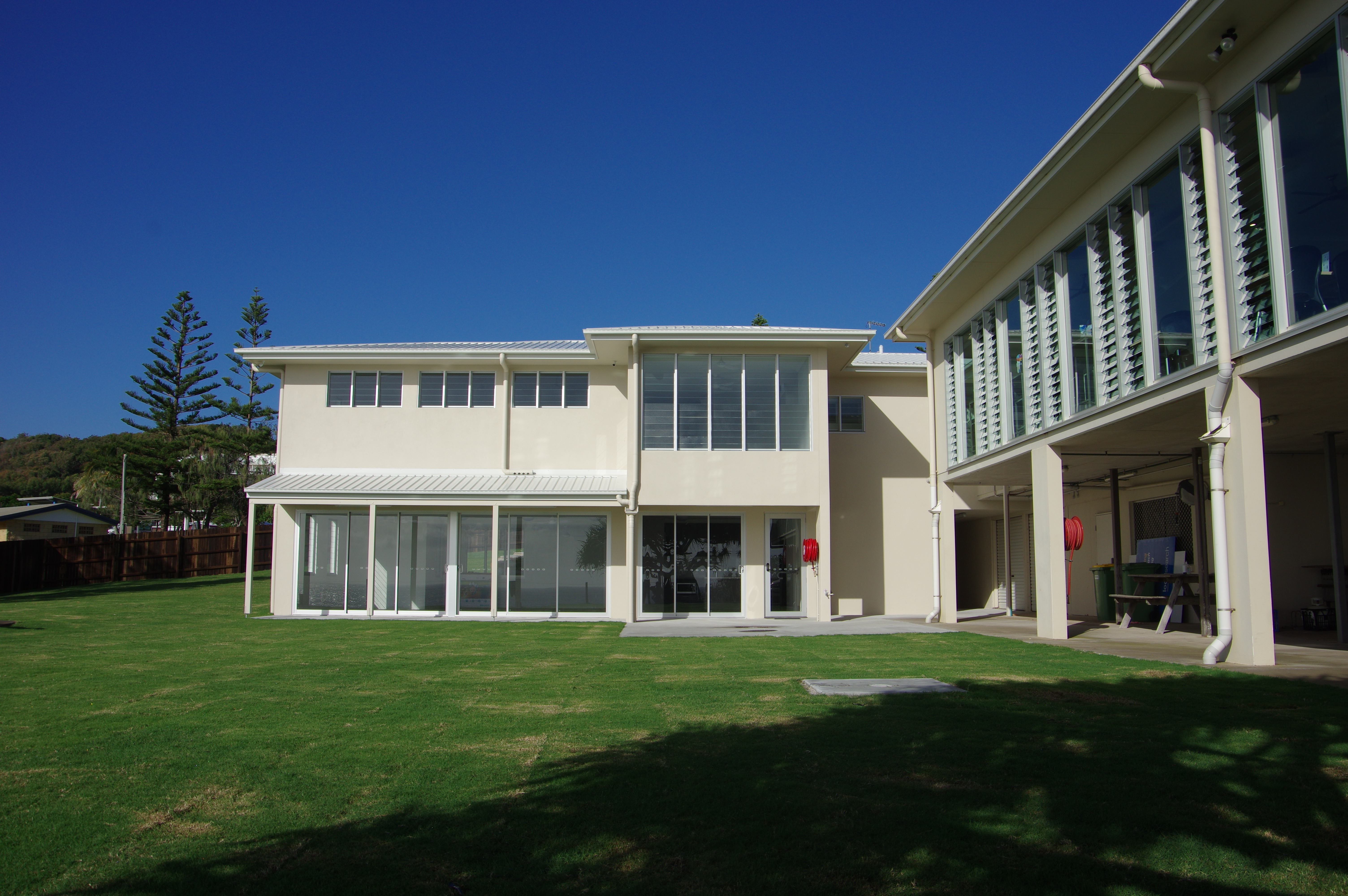 Rainbow Beach New Building (179)